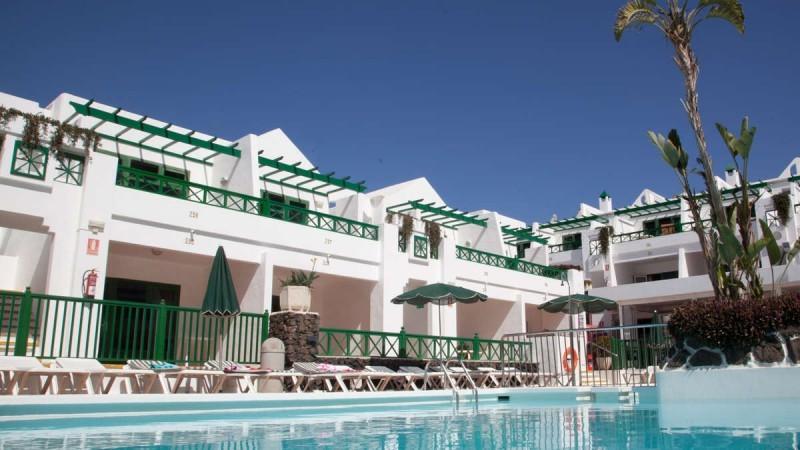 Club Las Calas resort apartments by the pool